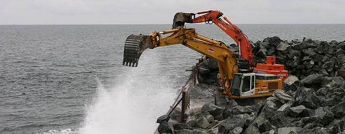 Udlægning af sten på Læsø Trindel. Foto: Naturstyrelsen.