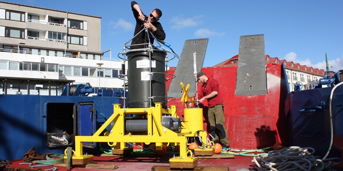 ESP (Electronic Sample Processor) is prepared to be launched for testing in the sea. Photo Jes Dolby